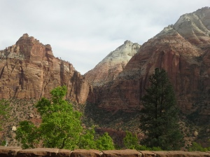 Driving through Zion to Ragnar.